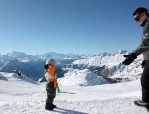 noah-throwing-snow-at-daniel